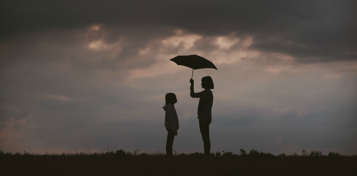 trauma resilienza mamma figlia temporale ombrello protezione adozione